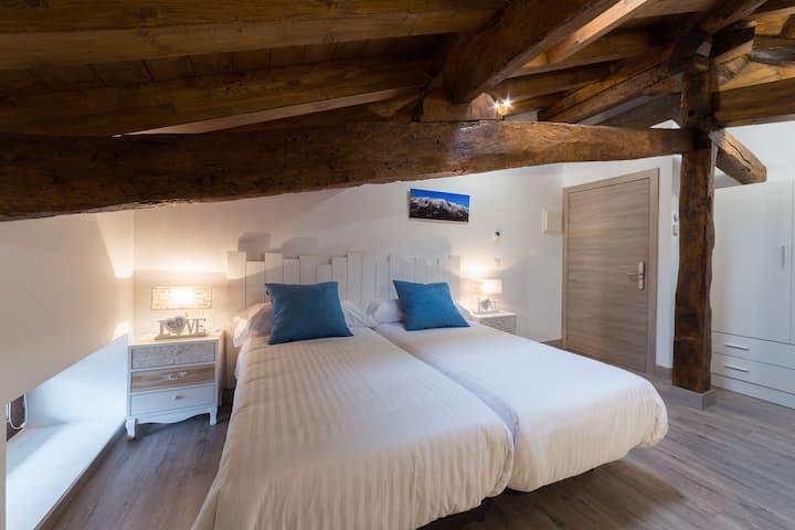 Preciosa Habitacion Triple Bed&Breakfast