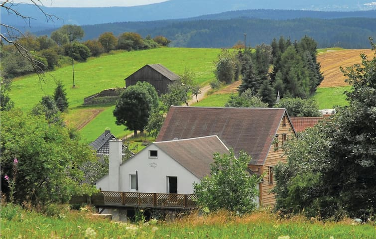 Holiday cottage with 6 bedrooms on 200m² in Barigau