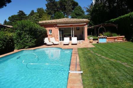 Villa au calme à Saint-Tropez - Saint-Tropez - Huvila