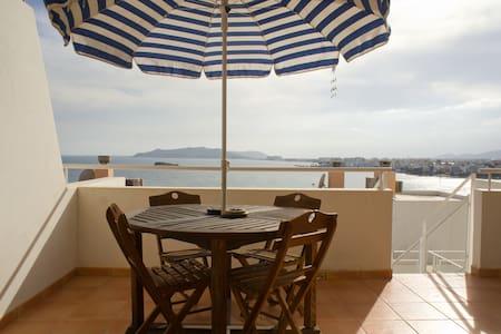 Duplex frente al mar.  - Ibiza