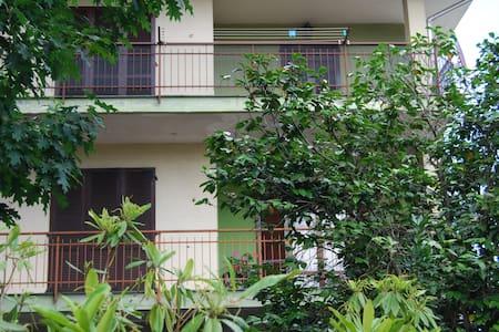 Il Tiglio: nice, spacious apartment - Apartamento