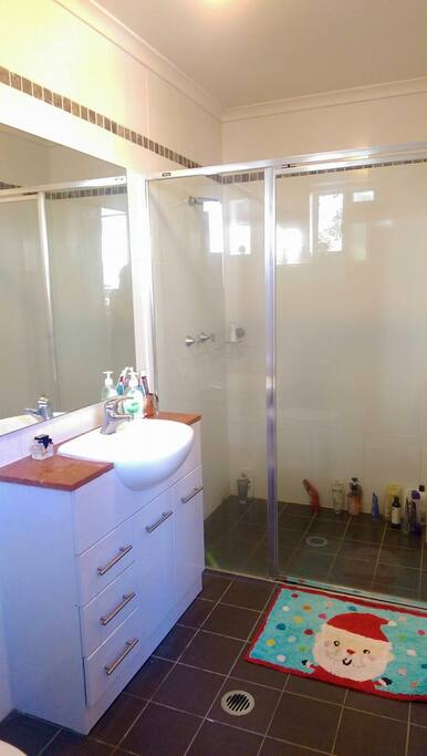 Private bathroom in the bedroom