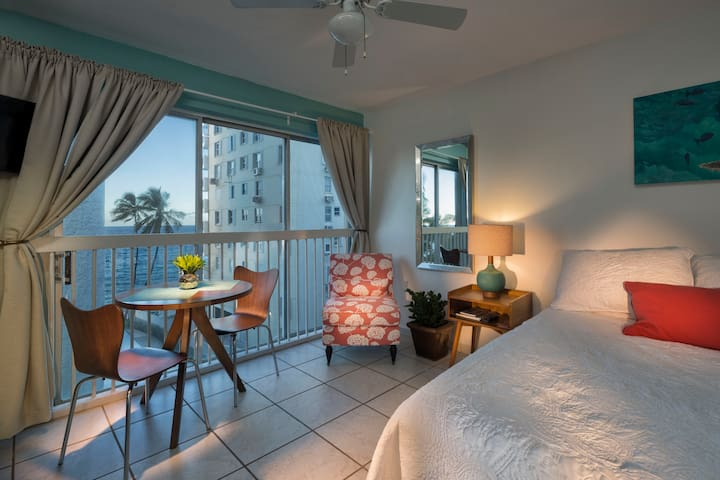 Ocean View Studio - Prime Condado Location