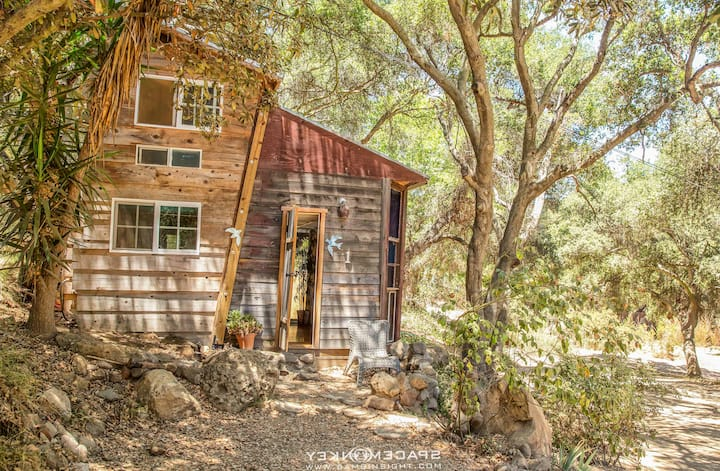 Topanga Mountain Wonderland Cottage