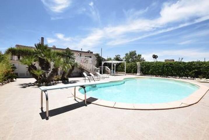 Villa con piscina, in campagna  a 700 mt dal mare