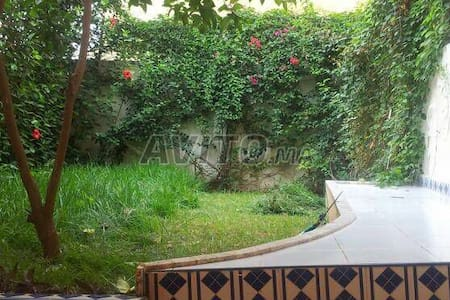 Apart avec jardin avenue Med 6 - Fès