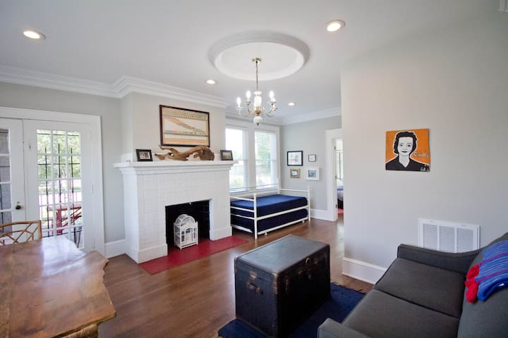 Living room with daybed