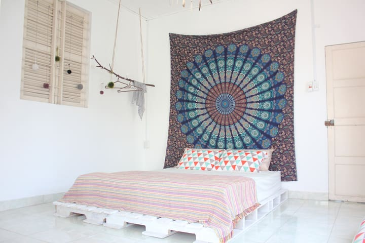 Bohemian room (2min to Dragon Br) - Potato Home - Da Nang - Casa