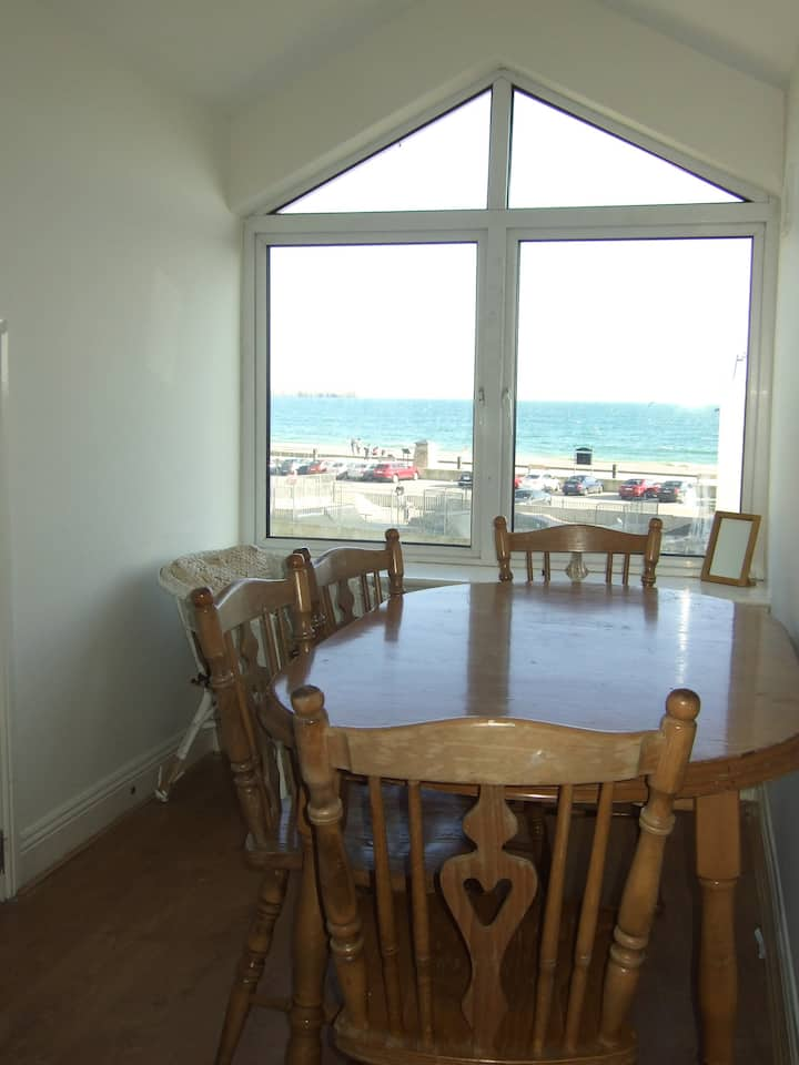 Lovely Tramore Sea View - Spacious - Sleeps 6