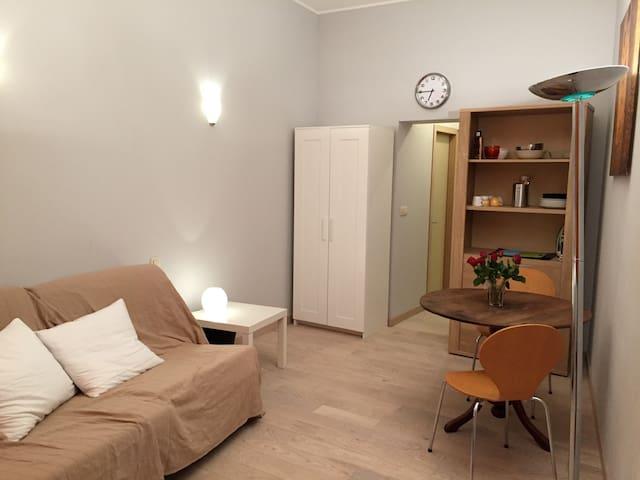 Studio cosy idéalement situé