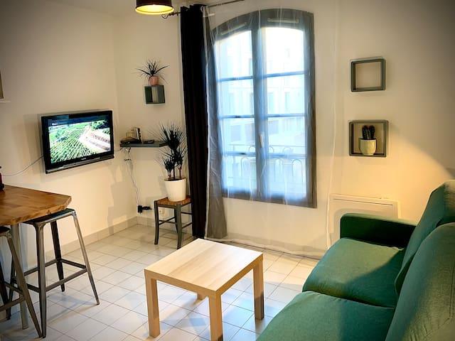 Toulon Vieille Ville : Studio Charmant