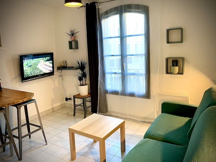 Toulon Vieille Ville : Studio Charmant