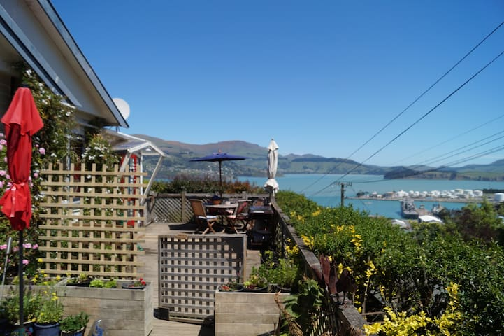 Sunny appartment with kitchen,patio and views - Lyttelton - Appartement