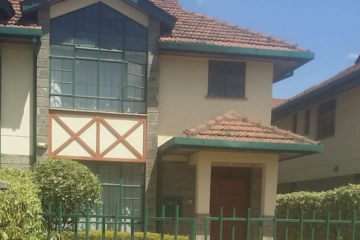 Eliannah's Residence