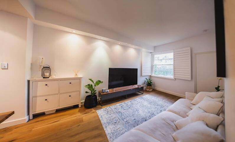 double room in beautiful modern apartment