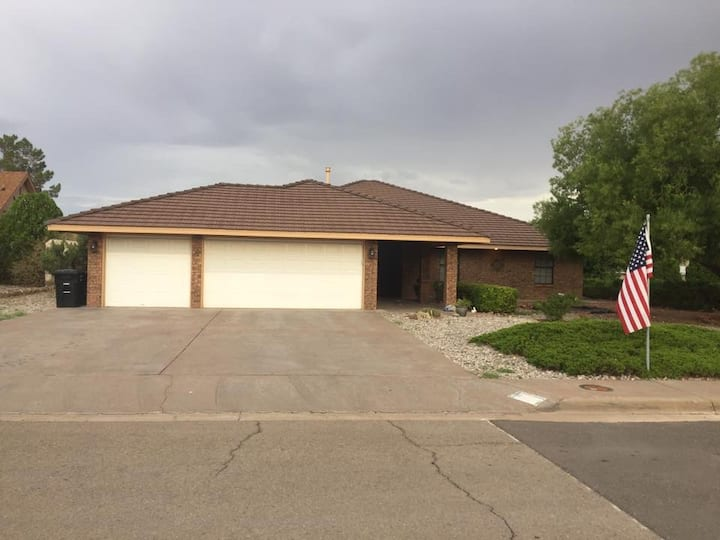 3 Bdrm Furnished rental house near golf course