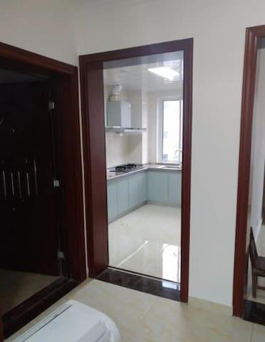 新房配套设施齐全,全部新装修。拎包居住,装修完好对外长期出租,交通便利 - Suqian Shi - Appartement