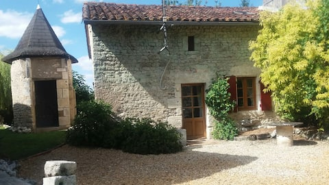 Chez Siggers - large 16th Century Stone Cottage