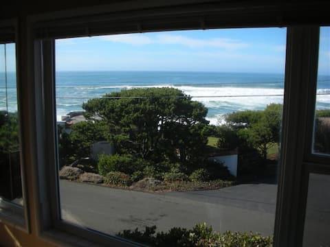 Cozy Ocean View Condo w/ Stone Fireplace