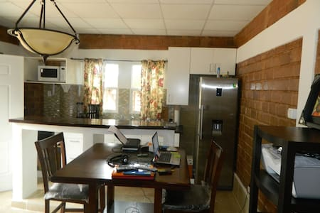Luxurious Apartment  (by Gombe) - Kinshasa - Apartment