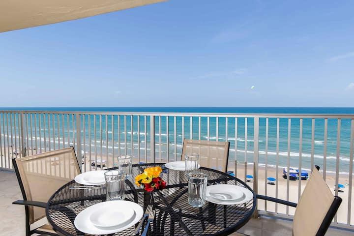 Inverness 703 - Cozy Oceanfront Condo, Incredible Views from Private Balcony, Pool & Spa