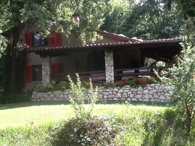 CHALET in the wood - Orte - Chalupa