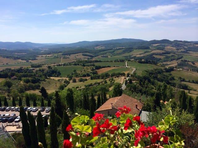 Ancient & charming Tuscany Village  - casole d'elsa, siena