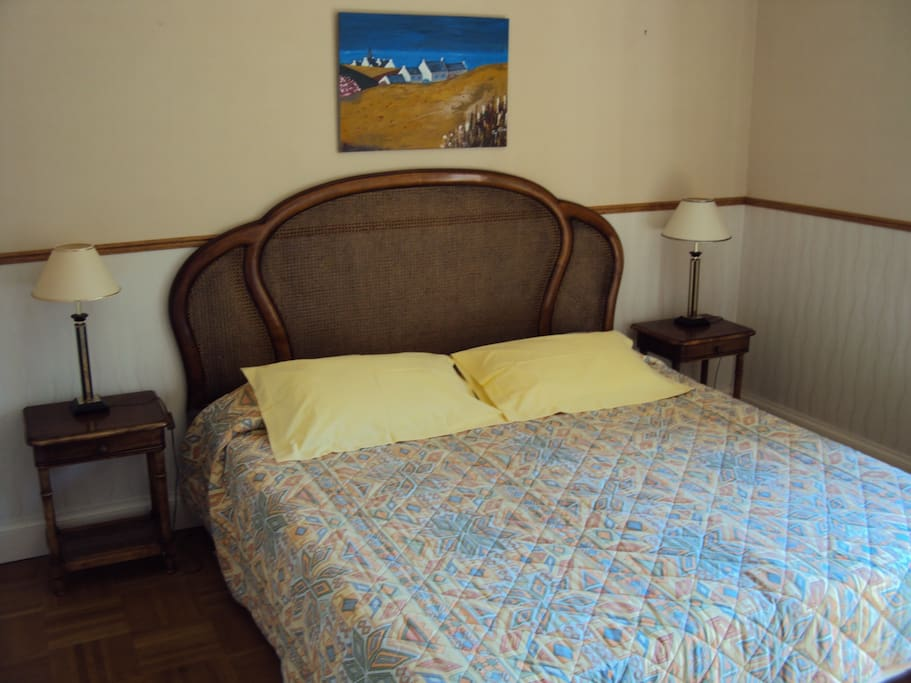 Chambre d hote a greenwood en coray bed and breakfasts for Chambre d hote brittany