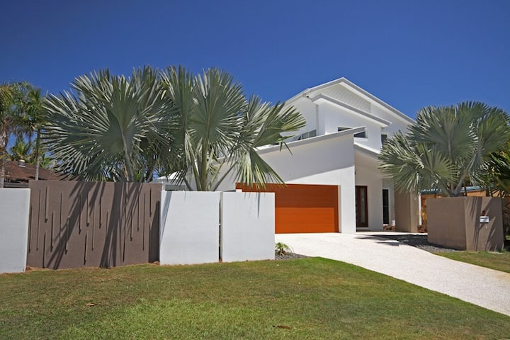 Ultimate beach side abode - Marcoola Beach