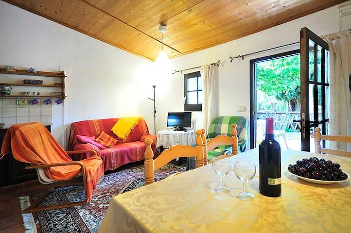 Miro country cottage at Mas Sant Nicolau, Ordis