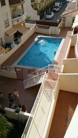 Apartamento luminoso con piscina - Castell de Ferro - Квартира