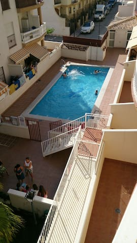 Apartamento luminoso con piscina - Castell de Ferro - Leilighet