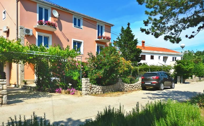 NINA A1 with WIFI, A/C, free parking place - Šilo - Appartement