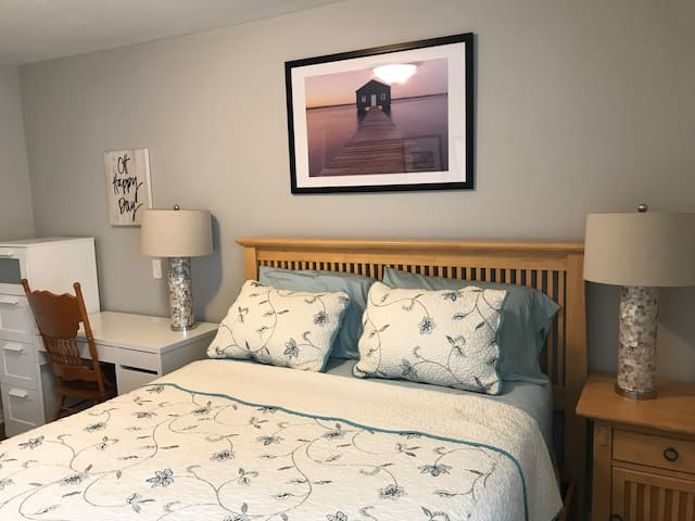 Cozy Comfort!  Entire 3 Bedroom Guest Suite