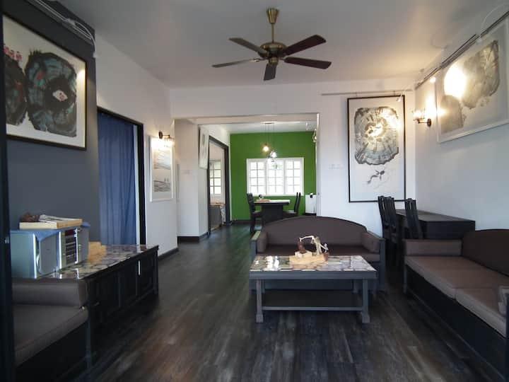 Cosy Artistic Apartment 艺飞画廊公寓