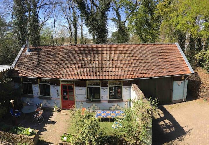70's vakantiehuisje op Gastvrijplaats aan het meer