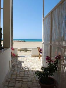 casa sul mare con spiaggia dorata 2 - donnalucata - Byt