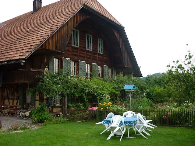 Schlafen im Emmentaler Bauernhaus - Lauperswil - Wohnung