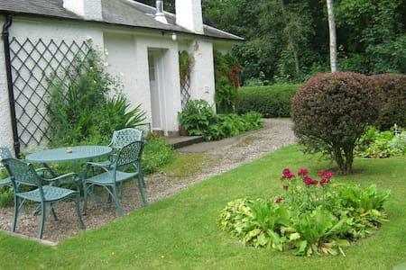 Birnie Cottage - Blairgowrie