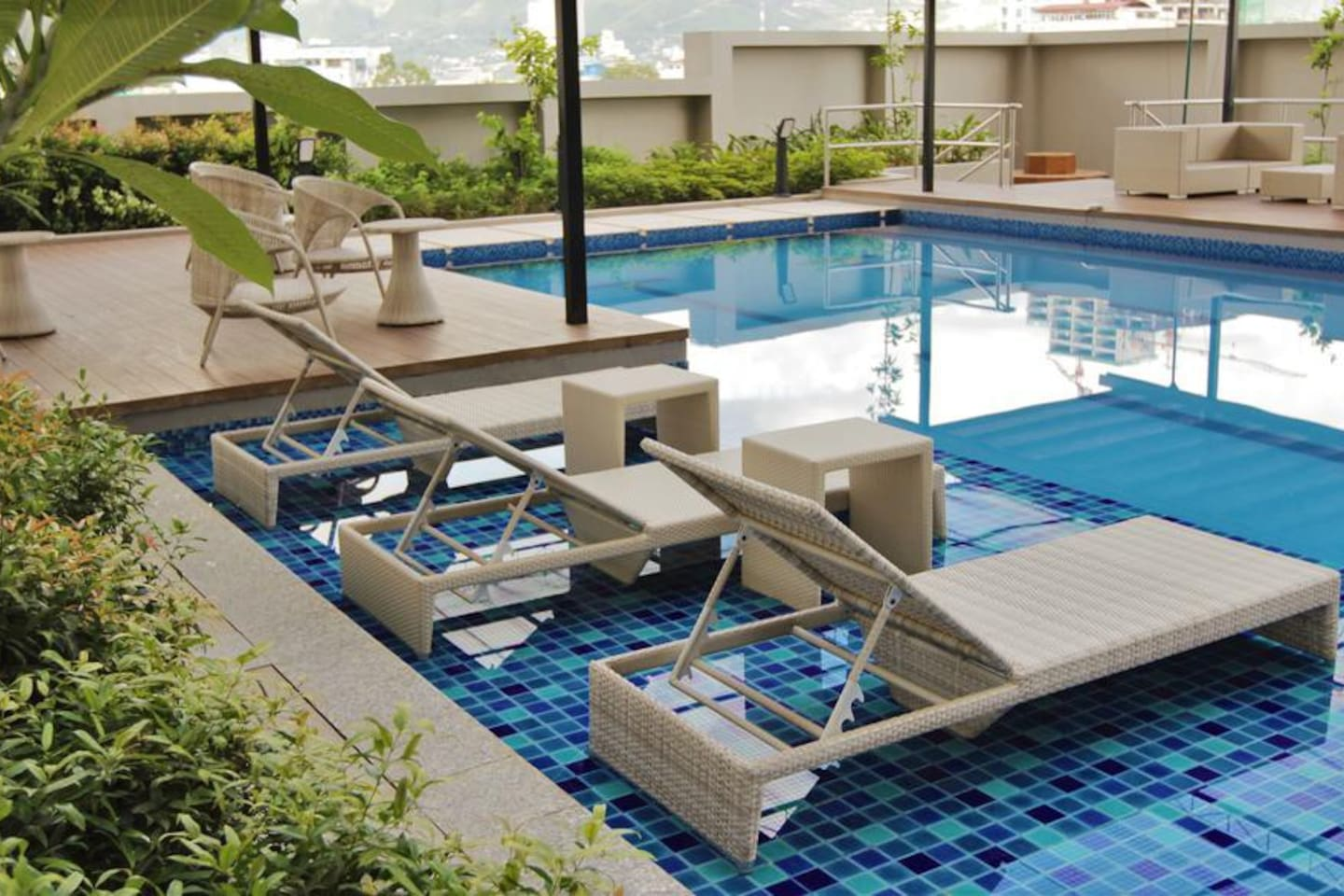 Swimming pool at the 9th floor