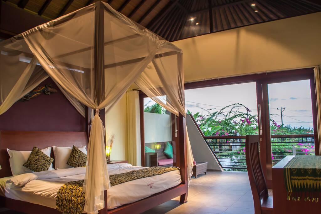 Villa Semeru 2 bedroom, bedroom with balcony and high roof upstairs