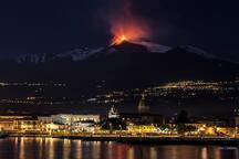 Vista Etna dal porto di Riposto