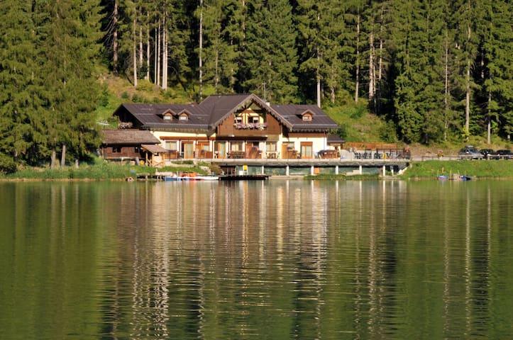 Chalet al lago Alleghe Tissi - Alleghe - Apartment