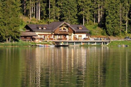 Chalet al lago Alleghe Tissi - Alleghe