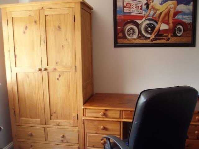 Desk & Wardrobe