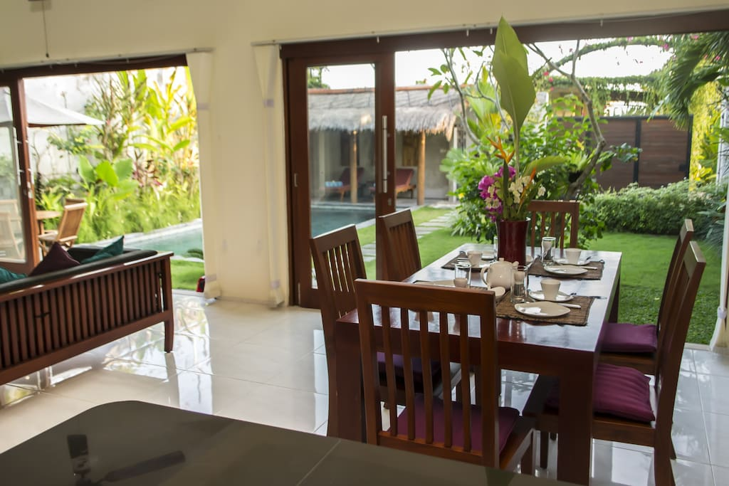 Villa Bromo 3 bedroom, open or Air-con, relex or work