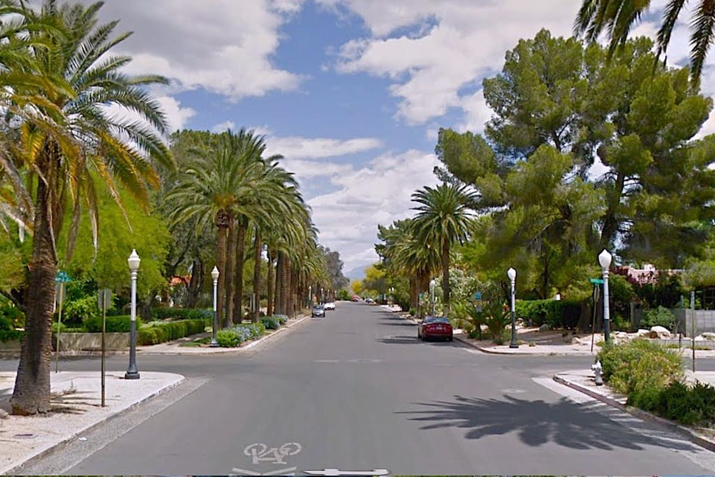 Prime location - Historic Neighborhood - 3rd St bike/walk path is 1 block south