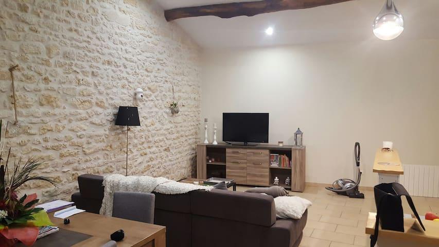 Maison - Nieul-lès-Saintes - Casa