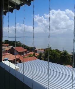 BELO DÚPLEX A 50 MTS DA PRAIA DE CABUÇU!!!