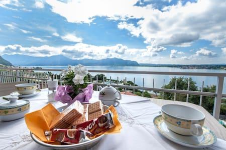 Appartamento  vista lago d'Iseo  PICCOLO PARADISO - Sarnico - Departamento